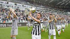 Juve, giro di campo allo Stadium con la coppa Italia - Tuttosport