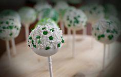 Kelly Luna: How To: Make a Cake Pop Stand