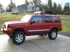 """lifted jeep commander 