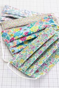 Sewing Tutorials, Sewing Crafts, Sewing Projects, Sewing Patterns, Sewing Ideas, Crochet Patterns, Easy Face Masks, Diy Face Mask, Diy Mask