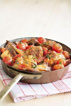 Coniglio, pomodorini e tantissimi aromi sono la base di questo classico della cucina italiana: scopri la ricetta del coniglio all'ischitana di Sale&Pepe.
