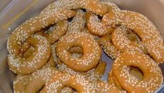 Greek Sweets, Onion Rings, Bagel, Doughnut, Food And Drink, Cookies, Bread, Ethnic Recipes, Desserts