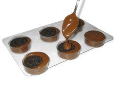 Chocolate Dipped Oreos Tutorial