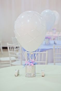 66 ideas baby shower table centerpieces for girls candy bars for 2019 Baby Party, Baby Shower Parties, Baby Shower Themes, Baby Shower Table Centerpieces, Party Centerpieces, Table Decorations, Baby Shower Balloons, Baby Boy Shower, Baby Shower Invitations
