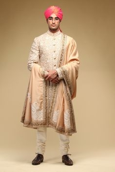 Check 141 sensational Indian wedding dresses for men that you can wear on your wedding day. Here you can know that how groom wear can be in so many styles in india. Wedding Outfits For Groom, Indian Bridal Outfits, Wedding Dress Men, Indian Bridal Lehenga, Wedding Suits, Sherwani Groom, Mens Sherwani, Wedding Sherwani, Groom Outfit Inspiration