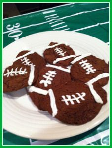 Easy tailgate food idea from a boxed cake mix. Easy Tailgate Food, Tailgating Recipes, Football Cookies, Football Food, Box Cake Mix, Cake Mix Cookies, Plain Cookies, Good Food, Yummy Food