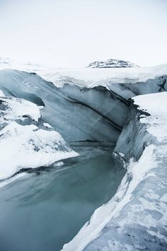 Water, snow and ice at Sólheimajökull glacier by LimeWave Photo, via Flickr