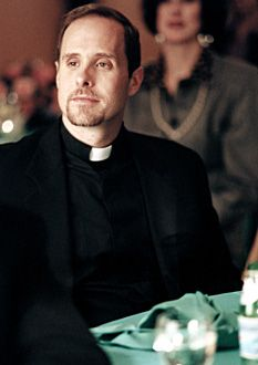 Paul Schulze as Father Phil Intintola Les Sopranos, A Bronx Tale, Cast Images, Tony Soprano, Dysfunctional Family, The Way I Feel, Great Tv Shows, Tv Guide, Season 4