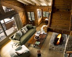 Le Chalet Zannier is a boutique ski hotel in Megeve, France. Le Chalet Zannier offers 12 stylish luxurious rooms, a private exclusive chalet, restaurant and spa. Hotel Chalet, Ski Chalet, Chalet Style, Chalet Chic, Barn House Design, Modern Lodge, Cabin Homes, Design Case, Dream Homes