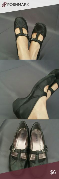 Azaleia Leather Mary Jane T-Strap Heel Dress Shoe Leather upper with man made balance.  Great condition aside from a little wear on backside of the shoes and a little scuff tip of right shoe. Azaleia Shoes
