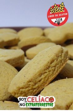 Aprende cómo hacer estas galletas sin gluten con harina de maíz | #sintacc #singluten #galletas #cookies #glutenfree #glutenfrerecipes #food Healthy Desserts, Raw Food Recipes, Baking Recipes, Cookie Recipes, Dessert Recipes, Healthy Recipes, Vegan Gluten Free, Gluten Free Recipes, Galletas Cookies
