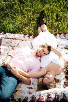 Brinton Studios » Tamara and Jordan engaging it picnic style