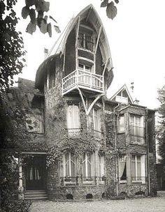 Hector Guimard, Villa Hemsy au 3, rue Crillon à Saint-Cloud (Hauts de Seine).