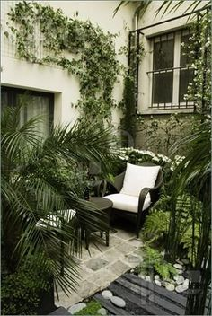 Private Courtyard Garden. Intimate with simple textures.