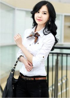 Latest Stylish Shirts Fashion Trends For Office Women-Casual Shirts - Latest Beauty Tips and Style Trends Classic Work Outfits, Trendy Outfits, Fall Outfits, Corporate Fashion, Office Fashion, Office Dresses For Women, Clothes For Women, Work Clothes, Vogue