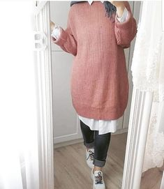 And Simple Hijab Fashion For Winter Casual And Smart Hijab Outfits For WinterCasual And Smart Hijab Outfits For Winter Modern Hijab Fashion, Muslim Fashion, Modest Fashion, Fashion Outfits, Women's Fashion, Fashion Trends, Modest Dresses, Modest Outfits, Classy Outfits