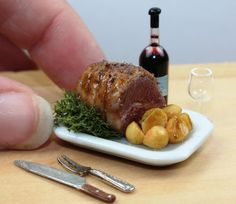Dolls House Food : Dollhouse Miniature Food Roast Beef Joint with Roast Potatoes (Handmade) IGMA Member