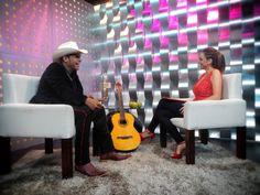 Joselyn Juncal en Secreto a Voces de Bandamax con Marco Flores de la #1 Banda Jerez