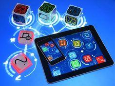 La Reactable, imaginée et conçue par l'université Pompeu Fabra de Barcelone, est une table à musique électro-acoustique multi utilisateurs qui crée des sons en déplaçant des objets sur sa surface (voir vidéo). Le système, qui existe depuis quelques années déjà et a notamment été utilisé par Bjork sur la tournée Volta en 2007, est également disponible dans une version pour iPhone et iPad basée sur le logiciel Reactable Live.