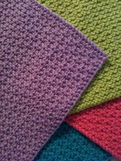 knit dishcloth - great, work all day long, textures........ love these - and the look of those smooth edges.......