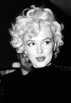 ourmarilynmonroe:    Marilyn Monroe photographed 1953