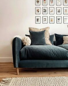 "Loaf on Instagram: ""Clever colour boffins have always said that blue is a calming colour, and we think @27_the_white_house's Squishmeister sofa provides some…"" Cottage Living Rooms, Living Room Sofa, Home Living Room, Living Room Decor, Howard Sofa, Duvet Day, Loaf Sofa, Snug Room, Chaise Sofa"