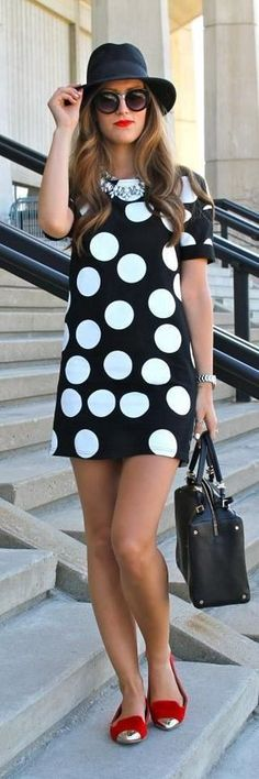 Cool casual polka dot elegant dress for the modern fashionista Trendy design offers a unique stylish look Perfect for special occasions or parties Made from high quality material Trendy Dresses, Casual Dresses, Short Dresses, Fashion Dresses, Dress Shorts Outfit, Skirt Outfits, Cool Summer Outfits, Cool Outfits, Sarah Jessica