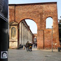 Milano, Colonne di San Lorenzo.     #qbestyle #tshirts #tee #qbestyler #wear #style #stylish #graffiti #italy #travel #streetart #italianstyle #outfit #fashion #stickers #milano #milan #ilovemilano #happyhour #art   qbestyle.com