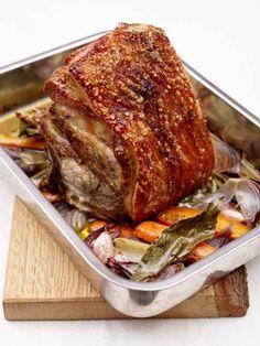 A brilliant pork shoulder roast recipe from Jamie Oliver. This slow roast pork shoulder cooks for 6 hours, for juicy meat and perfect pork crackling. Slow Roast Pork, Roast Lamb, Roast Pork Leg Joint, Pot Roast, Bone In Pork Roast, Pork Mince, Pork Meat, Oven Roast, Pork Recipes