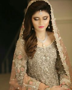 Walima Dress, Pakistani Wedding Dresses, Bridal Dresses, Golden Lehenga, Pakistan Bridal, Golden Dress, Engagement Dresses, Elegant Bride, Wedding Wear
