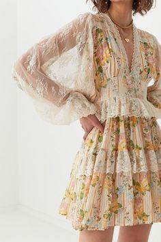 Aesthetic Fashion, Look Fashion, Aesthetic Clothes, Fashion Design, Hippie Fashion, Textiles Y Moda, Mode Hippie, Hippie Chic, Hippie Style