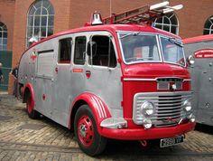 1961 Commer Fire Engine Vintage Trucks, Old Trucks, Fire Trucks, Mini Bus, Rescue Vehicles, Fire Apparatus, Emergency Vehicles, Commercial Vehicle, Fire Dept