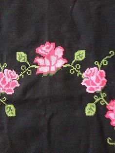 This Pin was discovered by Ber Cross Stitch Rose, Blackwork, Tom Ford, Diy Crafts, Towels, Cross Stitch Embroidery, Embroidery Stitches, Cross Stitch, Make Your Own