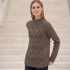 Sweater med aranmønster strikket i Cotton Merino fra Katia model 04
