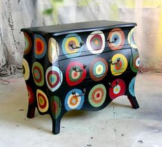 Penny Rug Design Bombe Chest, design would look cute on a chair as well Funky Painted Furniture, Painted Chairs, Colorful Furniture, Art Furniture, Repurposed Furniture, Furniture Projects, Furniture Makeover, Painted Tables, Furniture Design