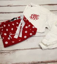 Perfect comfy pjs for Valentines Day or Christmas!    *************************************************************************  Please leave the
