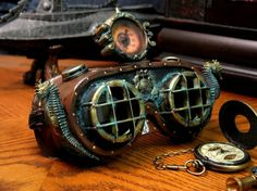 "So gorgeous! ""nautical goggles w/seahorses"""