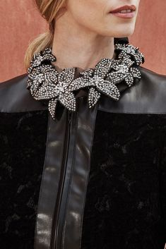 The OCIO is a fabric collar adorned with statement flowers with rhinestones Passementerie, White Shirts, Collar Dress, Classic White, Get Dressed, Rhinestones, Designer Dresses, Collars, Dresses For Work
