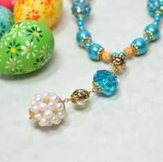 Stroll down the avenue in your Easter bonnet....and this very pretty necklace!