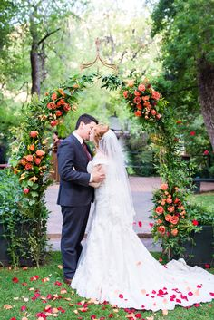The hues in today's featured wedding are out-of-this-world colorful. Inspired by the picturesque desert town of Sedona, Arizona, Reena & Michael chose a bright Orange Wedding Colors, Enchanted Garden Wedding, Indian Garden, Orange Country, Wedding Isles, Garden Wedding Inspiration, Orange And Turquoise, Sedona Arizona, Park Weddings