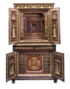 Regency Polychrome Penwork Chinoiserie Cabinet. England, circa 1820. (interior)