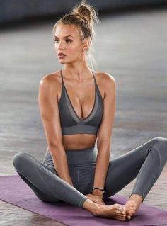 Best Ideas For Sport Outfit Gym Pants Victoria Secret Fitness Style, Fitness Noir, Musa Fitness, Fitness Fashion, Fitness Diet, Fitness Workouts, Cardio Workouts, Workout Gear, Fitness Motivation