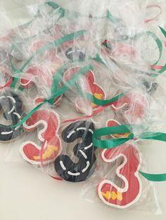Galletas personalizadas para cumpleaños infantil Disney Cars #birthday #ideas…