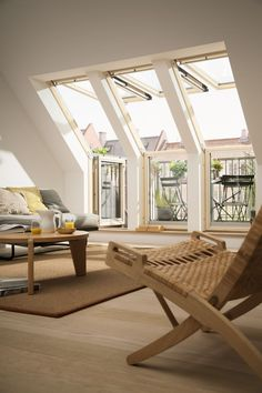 Whilst seeking Loft Conversion inspiration for my own home I discovered a great image of this living Room featuring Velux Terrace windows. The post Dreamy Loft Conversion Inspiration appeared first on Mack Makeovers. Attic Loft, Loft Room, Attic Rooms, Bedroom Loft, Attic Office, Attic Bathroom, Attic Bedroom Designs, Attic Design, Living Room Designs