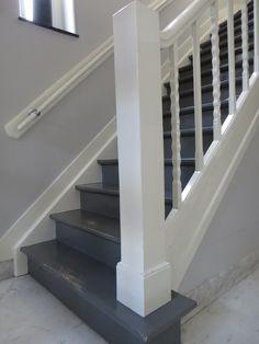 Trap in hal verven jaren 20, 30 huis