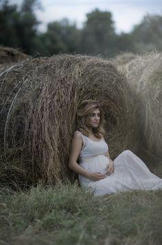 беременность съемка беременности в ожидании чуда скоро мама pregnant pregnancy фотограф нальчик фотограф москва семейный фотограф стог сено фотосессия в полях