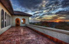 Outdoors at sunset: http://www.debrajanes.com/215-Majestic-Ridge-a293264.html