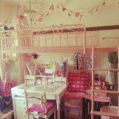 Yuukiさんの、ペーパーポンポン,フラッグガーランド,IKEA,ピンク大好き,ロフトベッド,賃貸,賃貸でも諦めない!,賃貸でも楽しく♪,賃貸マンション,子供部屋♪,子供部屋女の子,My Desk,のお部屋写真