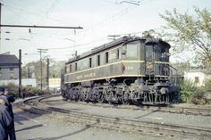 A passenger train led by EP-2 No. 309 arrives in Danbury on Oct. 4, 1953 from New York City