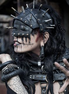 Pandaemonaeon - those who bargain with daemons, splicing mind, body and soul to create something beyond humanity Post Apocalyptic Costume, Post Apocalyptic Fashion, Post Apocalyptic Clothing, Post Apocalypse, Mad Max, Rachel Wolchin, Character Outfits, Character Design Inspiration, Dark Fantasy